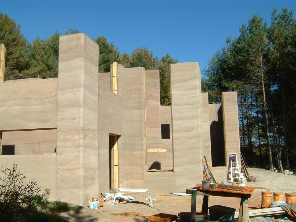 rammed earth home, aercura