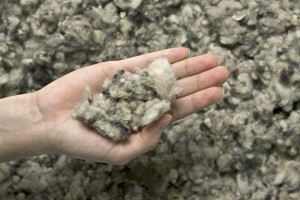 Sheep s wool insulation in batts and loose fill bec green for Rockwool loose fill
