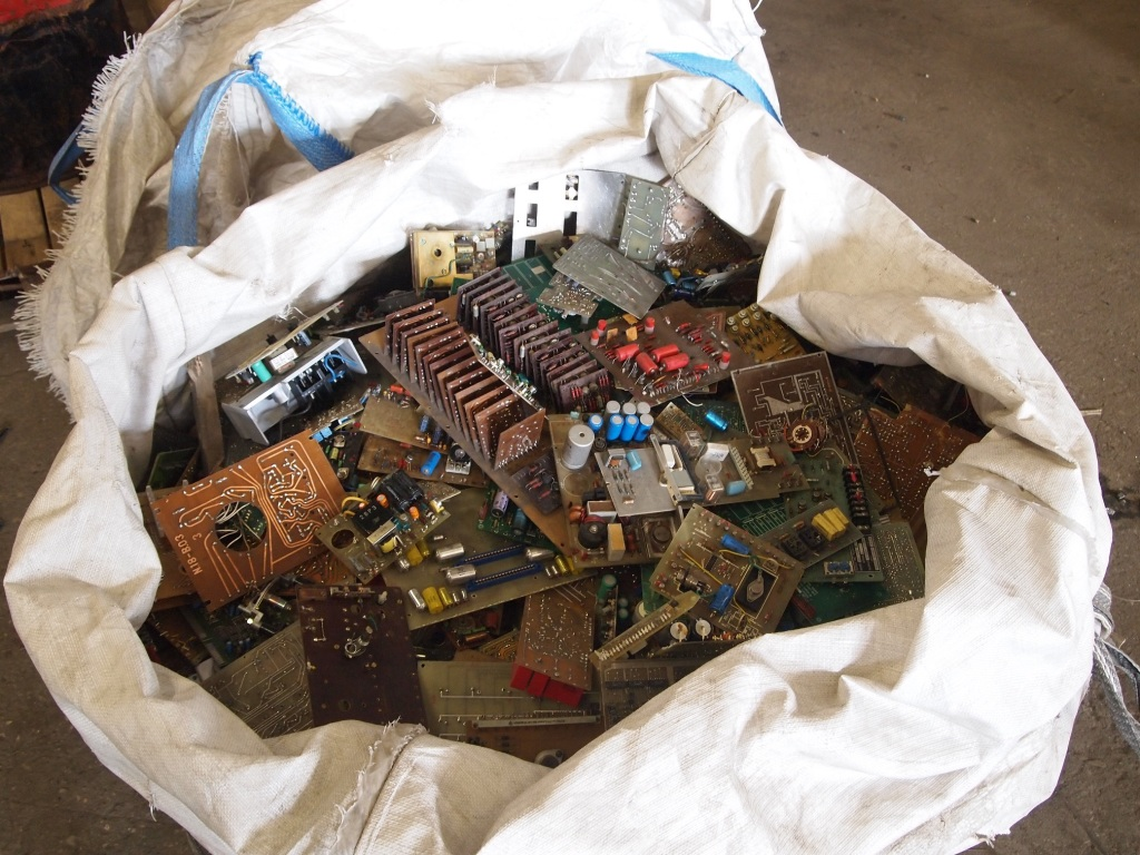 Metal and circuit boards from old electronics