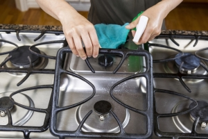 Use a 1:1 ratio of vinegar and water for cleaning.